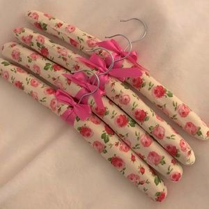 Padded Floral Print Hangers